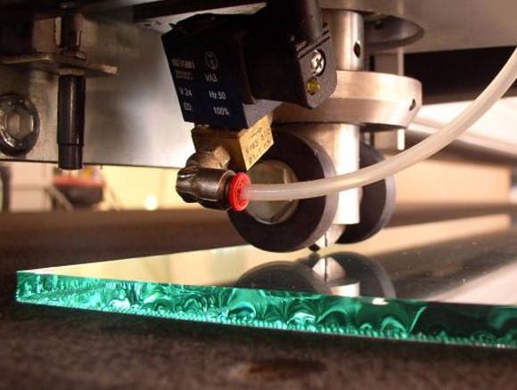 Обработка стекла и ремонт изделий